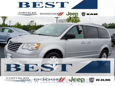 PRE-OWNED 2010 CHRYSLER TOWN & COUNTRY LX FWD 4D PASSENGER VAN