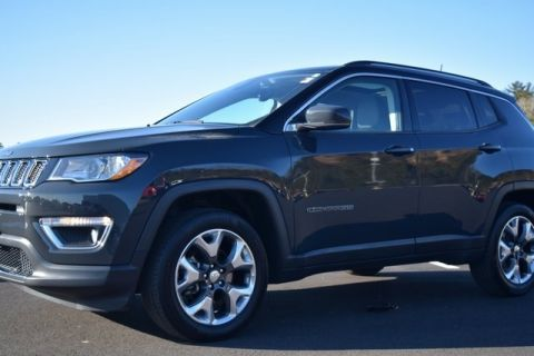 CERTIFIED PRE-OWNED 2018 JEEP COMPASS LIMITED WITH NAVIGATION & 4WD