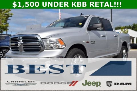 CERTIFIED PRE-OWNED 2017 RAM 1500 BIG HORN WITH NAVIGATION & 4WD